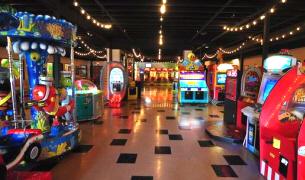 Family Entertainment Center, Fun Center and Arcade Game Rooms ...