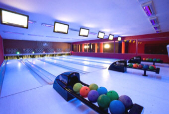 how to run a bowling alley business