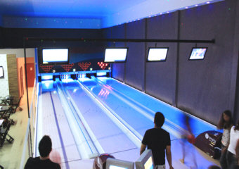 Start Advertising Campaigns In Local Media (radio, Cable, Newspapers) ○  Start On Site Training Of Bowling Center Technicians By Imply / BMI Staff.