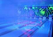 Imply Bright Bowling / Night Bowling / Glow In The Dark Lane Feature